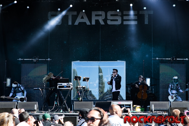 Aftershock2017-04Starset08-TLW