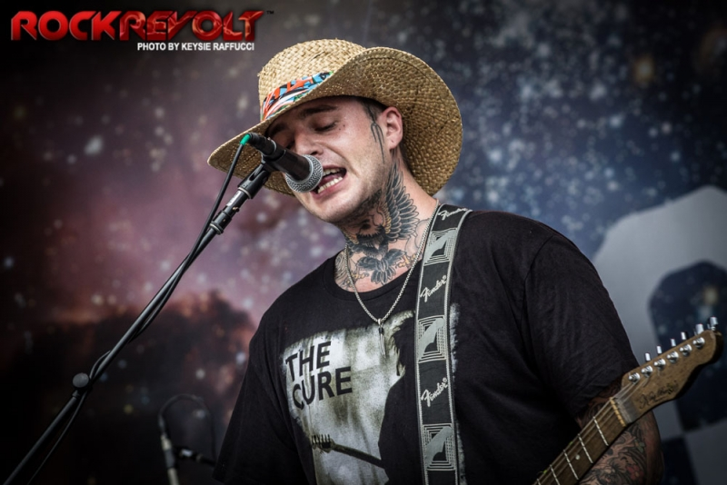2017 - WTR - Highly Suspect - 1