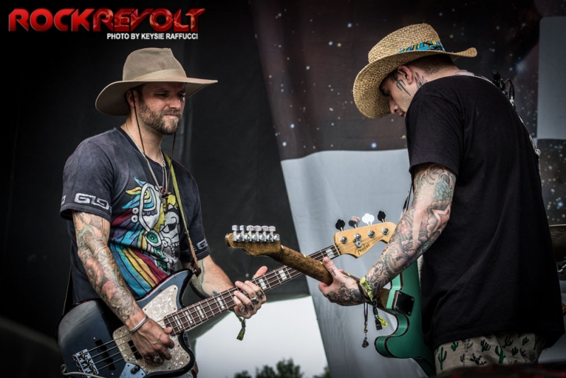 2017 - WTR - Highly Suspect - 14