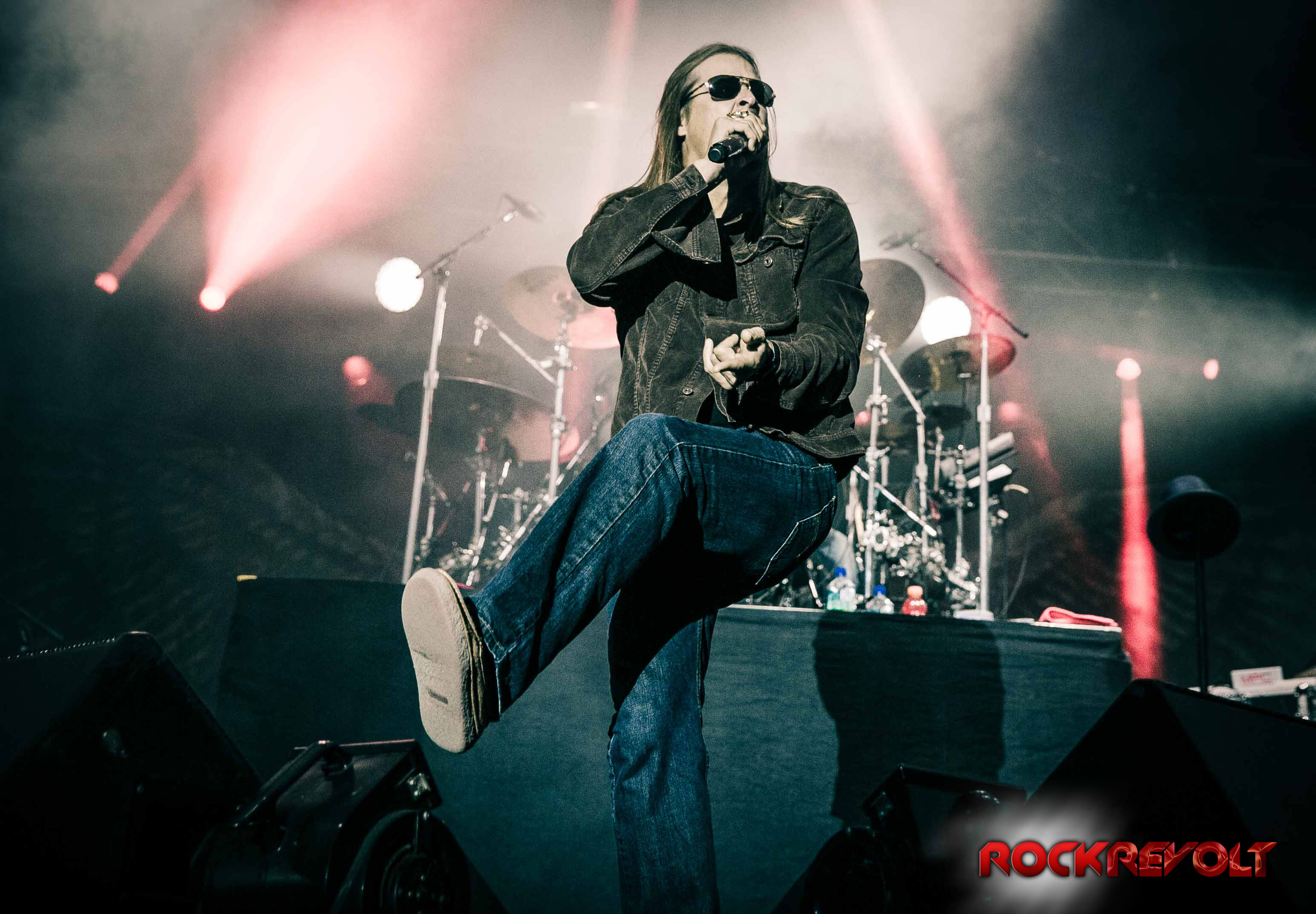 """kid rock fuel and buckcherry essay Buckcherry just wrapped a string of uk dates and will headline north american shows in late december and january before joining kid rock as special guests on the upcoming """"rebel soul"""" tour beginning february 2 in kansas city, mo."""