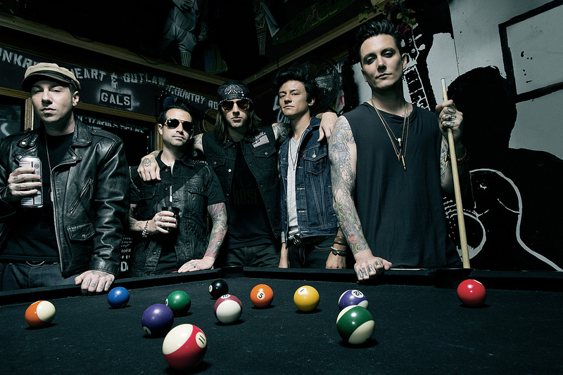 "AVENGED SEVENFOLD UNLEASH NEW SINGLE ""HAIL TO THE KING"""