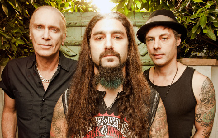 LIVE SHOW REVIEW: THE WINERY DOGS, THE STARLAND BALLROOM, SAYREVILLE, NJ