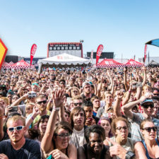 FESTIVAL: VAN's WARPED TOUR – SHARK and UNICORN STAGE