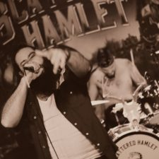 LIVE PHOTOS AND REVIEW: Scattered Hamlet