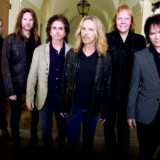 Interview with Styx's Lawrence Gowan