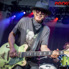 LIVE PICS AND REVIEW: HEART AND CHEAP TRICK