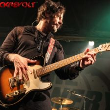 LIVE PICS: THRU THE NOISE &THE WINERY DOGS