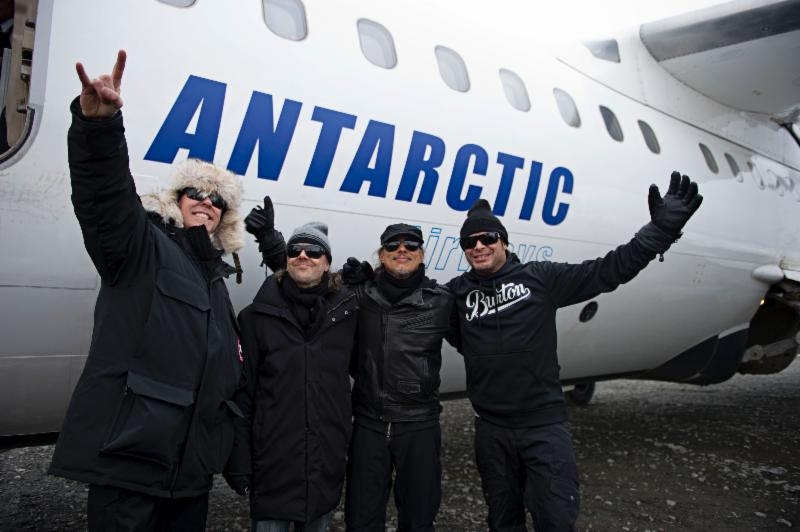 METALLICA PLAYS ANTARTICA! SEE THE PICS & WATCH VIDEO!